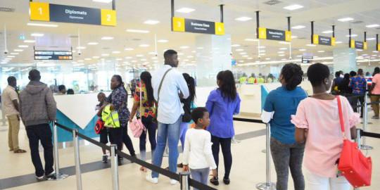 Gana, Havalimanlarını Açıyor!